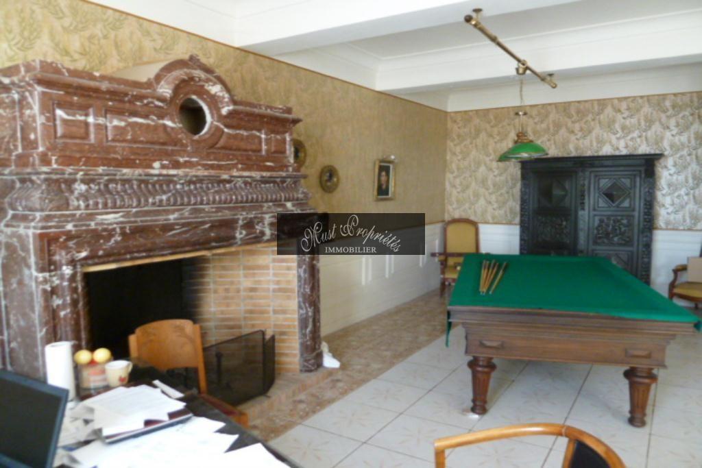 CHÂTEAU avec 23CH et 23 SBP, appt 250 m2 et piscine intérieure (54)